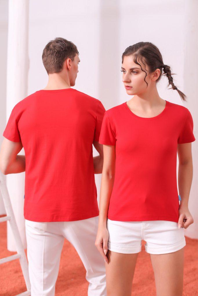 这个夏季该怎么穿?个性男T恤搭配方法,个性女T恤搭配方法
