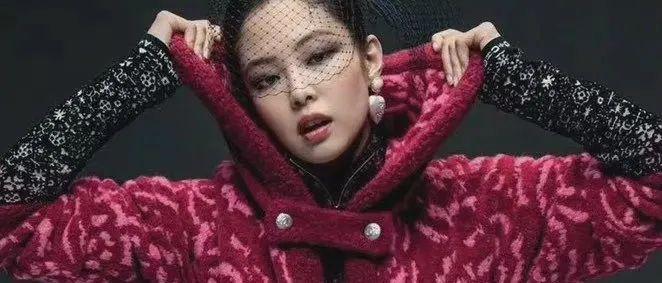 香奈儿最新款高级成衣,抄袭我奶奶的花棉袄?