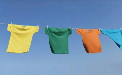 纯棉T恤衣服怎么洗?纯棉衣服怎么洗不变色?