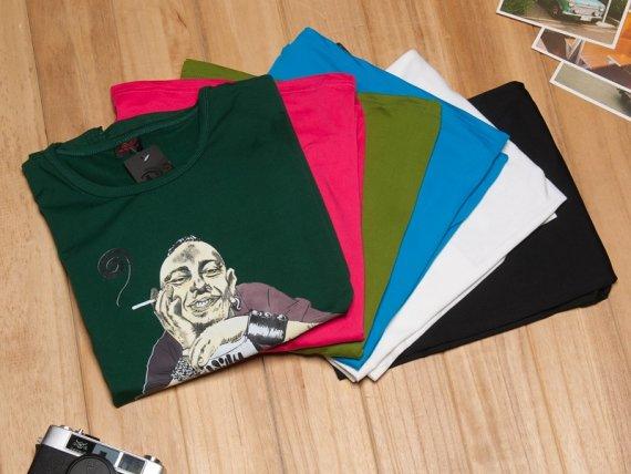 T恤折叠的方法,T恤怎么叠放才不容易变皱?