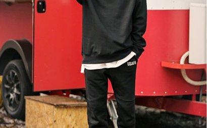 黑色卫衣搭配男,黑色卫衣搭配技巧