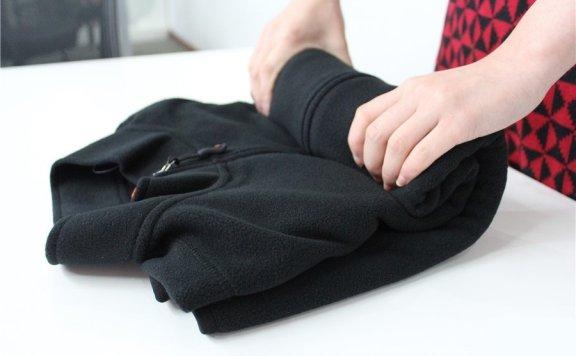 定制连帽卫衣怎么折叠 卫衣叠穿搭配方法